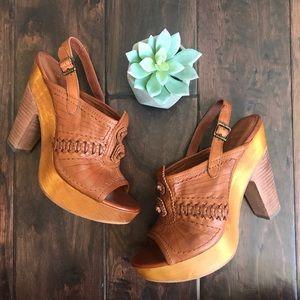 Frye Tan Leather Platform Wooden Heeled Sandals